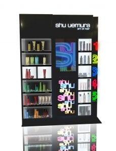 Permanent Stocker, eine Dauerplatzierung mit Ware, hier die Haarpflegemarke Shu Uemura.