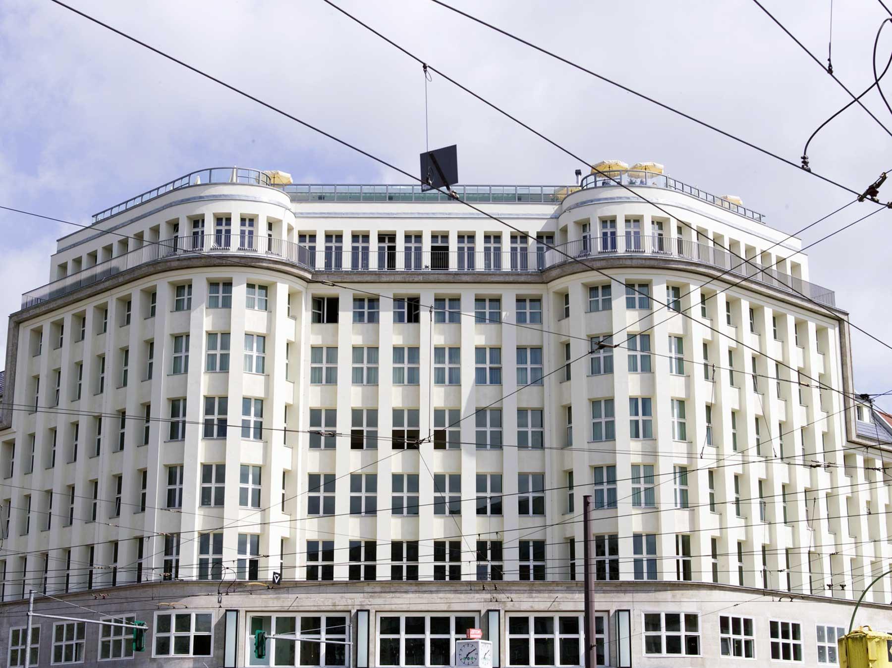 the store x soho house berlin der coolste store der republik. Black Bedroom Furniture Sets. Home Design Ideas