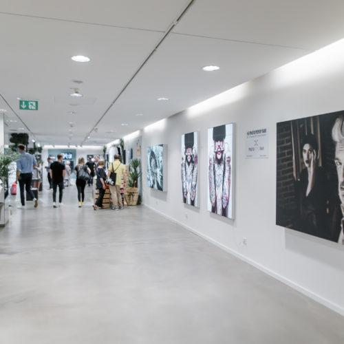 Kunst im _blaenk-Store